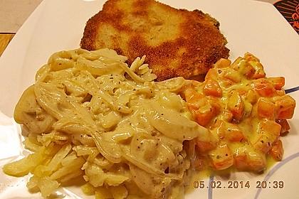 Panierte Koteletts mit Zwiebel-Rahm-Soße 7