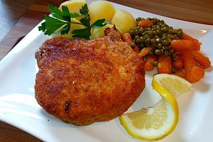 Panierte Koteletts mit Zwiebel-Rahm-Soße 1