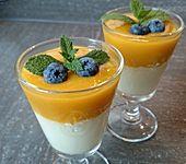 Zitronengras-Panna cotta mit Mangosauce