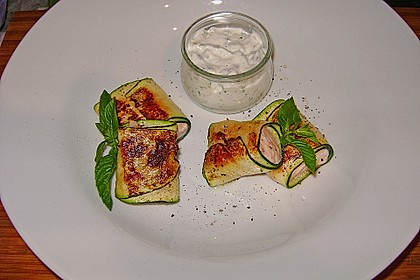 Lachs im Zucchinimantel an Minz-Tzatziki 10