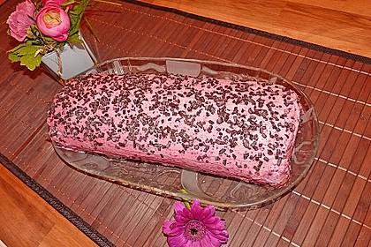 Biskuitrolle mit Erdbeerfüllung 20