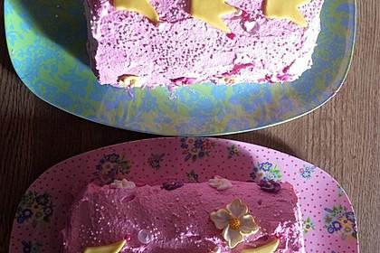 Biskuitrolle mit Erdbeerfüllung 1