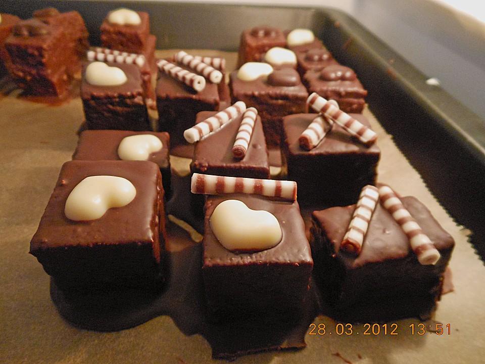 baumkuchen petits fours rezept mit bild von hobbykochen. Black Bedroom Furniture Sets. Home Design Ideas