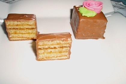 Baumkuchen-Petits Fours 43