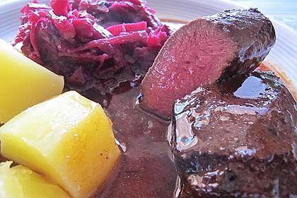 Rehrücken mit  Rotweinsauce 0