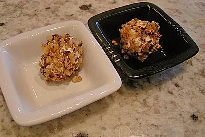 Frischkäse-Pralinen im Knoblauchkrokant-Mantel 4