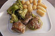 Utes Schweinefilet mit Brokkoli in leichter Senfsauce