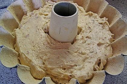 Plätzchen-Gugelhupf mit Vanille-Rum Glasur 5