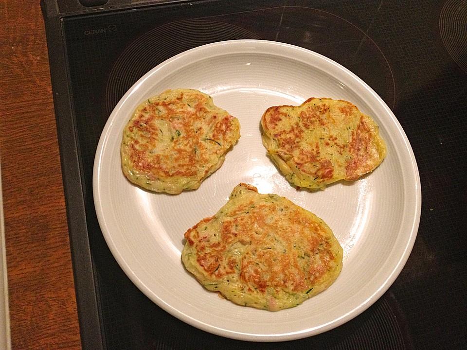 zucchini schinken pfannkuchen f r kleine feinschmecker von koelkast. Black Bedroom Furniture Sets. Home Design Ideas