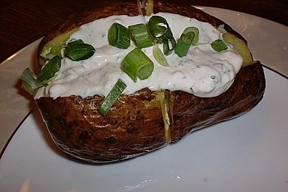 Folienkartoffel mit Kräuter-Dip 6