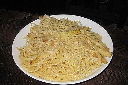 Spaghetti mit gebratenem weißen Spargel 3