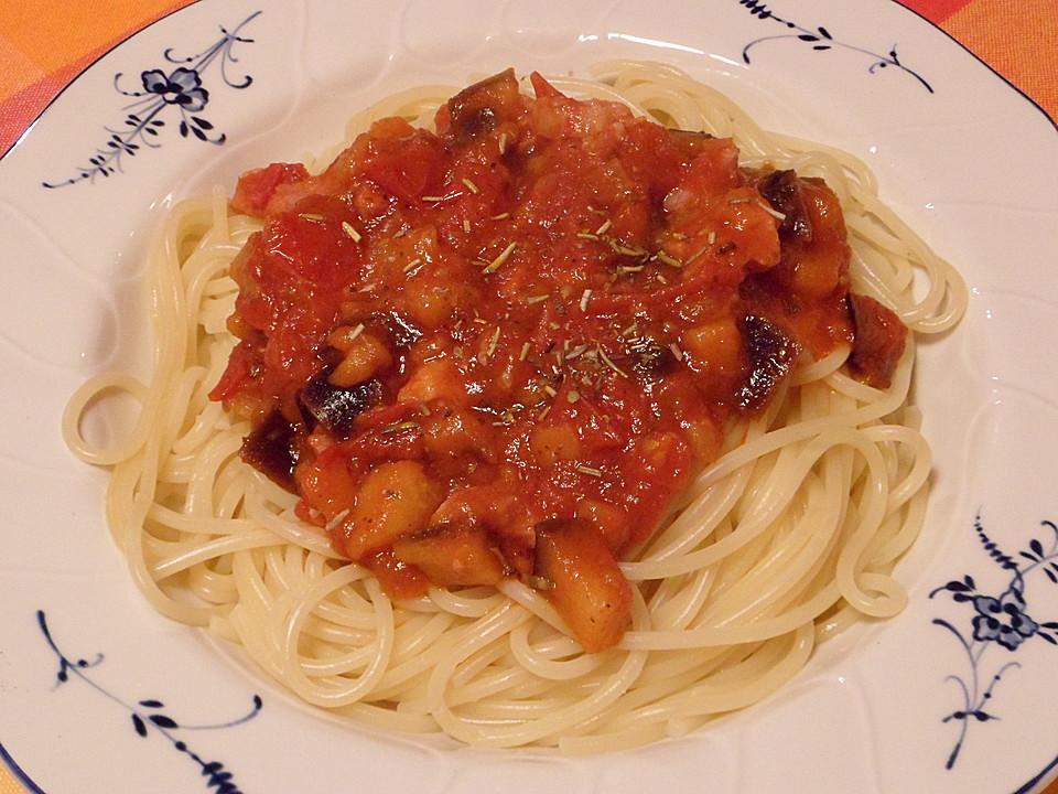 schnelle spaghetti mit auberginen und tomaten rezept mit bild. Black Bedroom Furniture Sets. Home Design Ideas