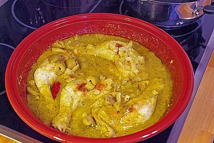 Hühner-Tajine mit eingelegter Zitrone und grünen Oliven