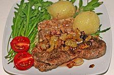 Herbstliche Pfanne mit Rindfleisch, Pfifferlingen und Gnocchi