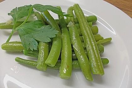 Grüne Bohnen mit Zwiebeln in Butter geschwenkt 6