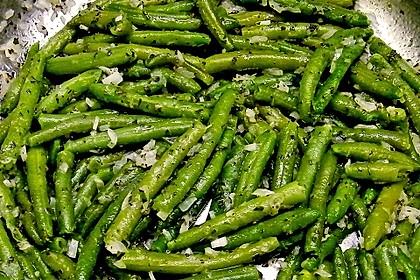 Grüne Bohnen mit Zwiebeln in Butter geschwenkt 10
