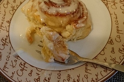 Cinnamon Rolls with Cream Cheese Frosting 131