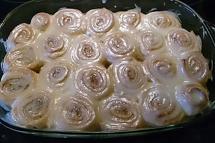 Cinnamon Rolls with Cream Cheese Frosting 159