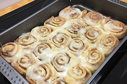 Cinnamon Rolls with Cream Cheese Frosting 153