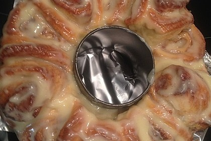 Cinnamon Rolls with Cream Cheese Frosting 149