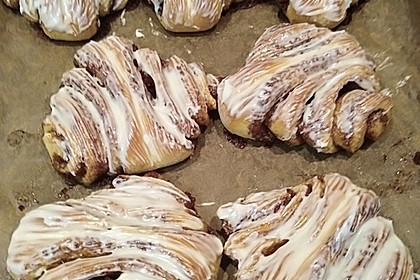 Cinnamon Rolls with Cream Cheese Frosting 218