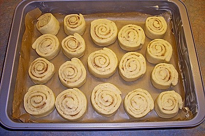 Cinnamon Rolls with Cream Cheese Frosting 169