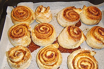 Cinnamon Rolls with Cream Cheese Frosting 201