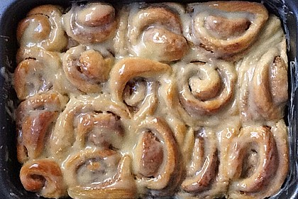 Cinnamon Rolls with Cream Cheese Frosting 189