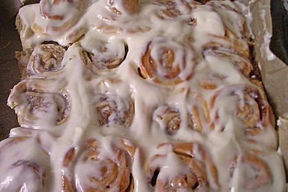 Cinnamon Rolls with Cream Cheese Frosting 137
