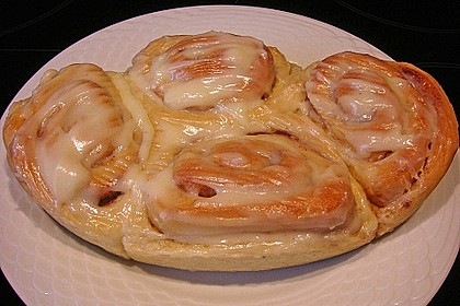 Cinnamon Rolls with Cream Cheese Frosting 91