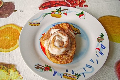 Cinnamon Rolls with Cream Cheese Frosting 163
