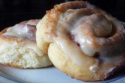 Cinnamon Rolls with Cream Cheese Frosting 7