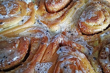 Cinnamon Rolls with Cream Cheese Frosting 168