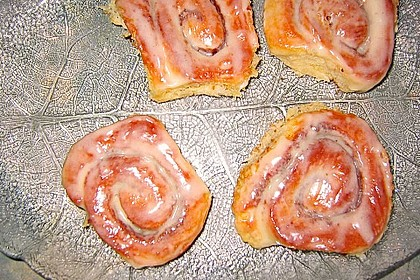 Cinnamon Rolls with Cream Cheese Frosting 155