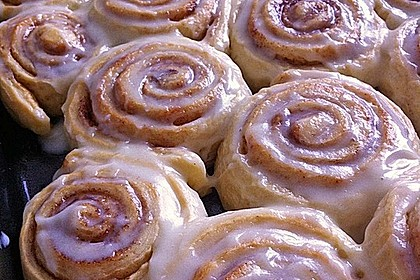 Cinnamon Rolls with Cream Cheese Frosting 4