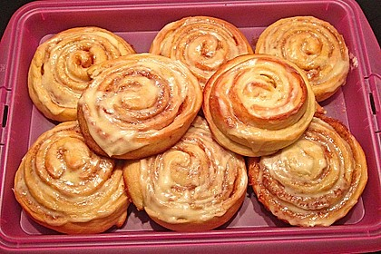 Cinnamon Rolls with Cream Cheese Frosting 8