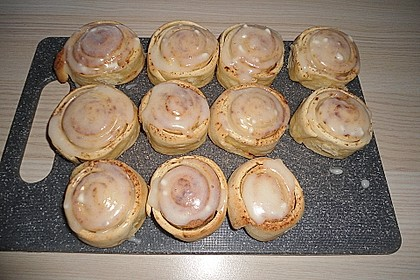 Cinnamon Rolls with Cream Cheese Frosting 69