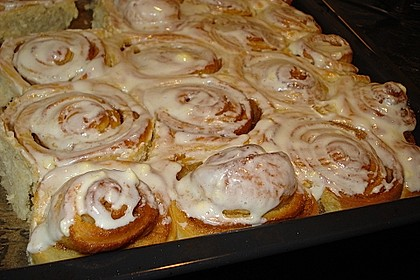 Cinnamon Rolls with Cream Cheese Frosting 141