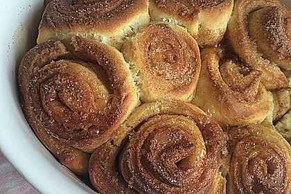 Cinnamon Rolls with Cream Cheese Frosting 92