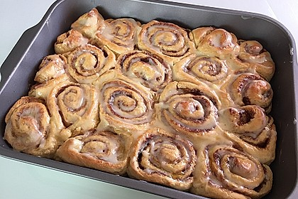 Cinnamon Rolls with Cream Cheese Frosting 100