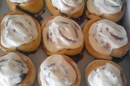 Cinnamon Rolls with Cream Cheese Frosting 178