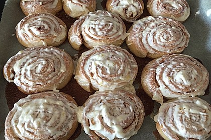 Cinnamon Rolls with Cream Cheese Frosting 111
