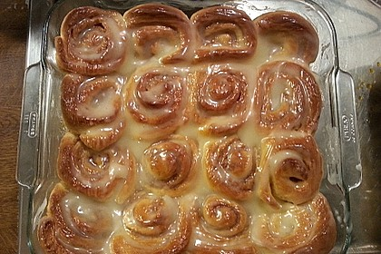 Cinnamon Rolls with Cream Cheese Frosting 90