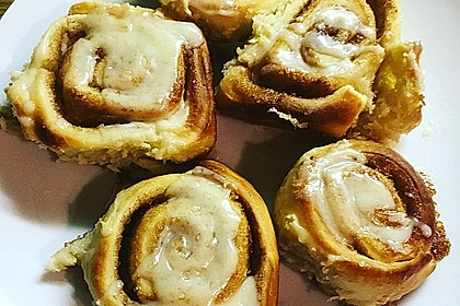 Cinnamon Rolls with Cream Cheese Frosting 194