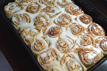 Cinnamon Rolls with Cream Cheese Frosting 167