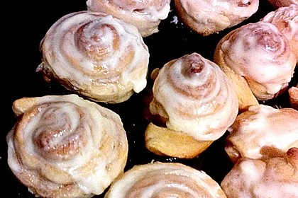 Cinnamon Rolls with Cream Cheese Frosting 59