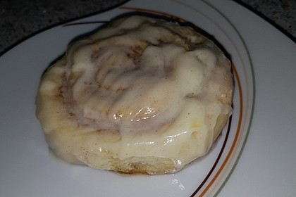 Cinnamon Rolls with Cream Cheese Frosting 113