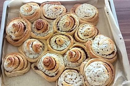 Cinnamon Rolls with Cream Cheese Frosting 121