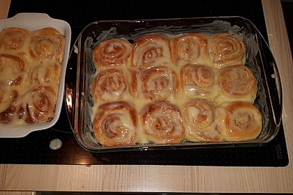 Cinnamon Rolls with Cream Cheese Frosting 72