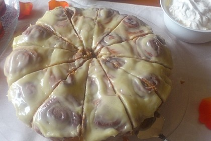 Cinnamon Rolls with Cream Cheese Frosting 206